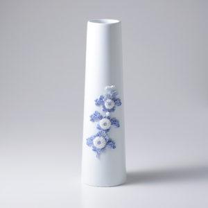 叙勲受章記念 平戸菊花飾染付花瓶